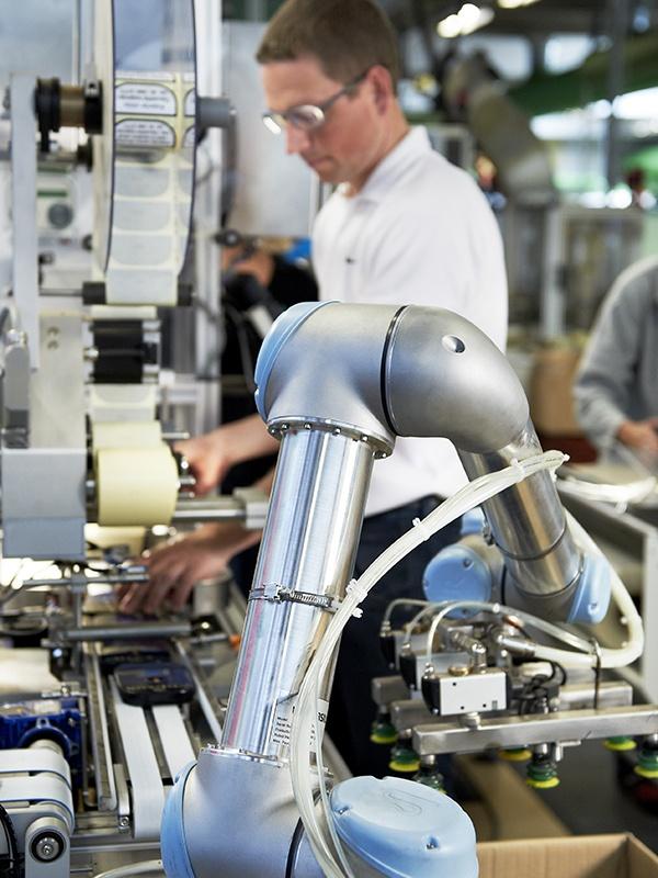 協働ロボット.comとは
