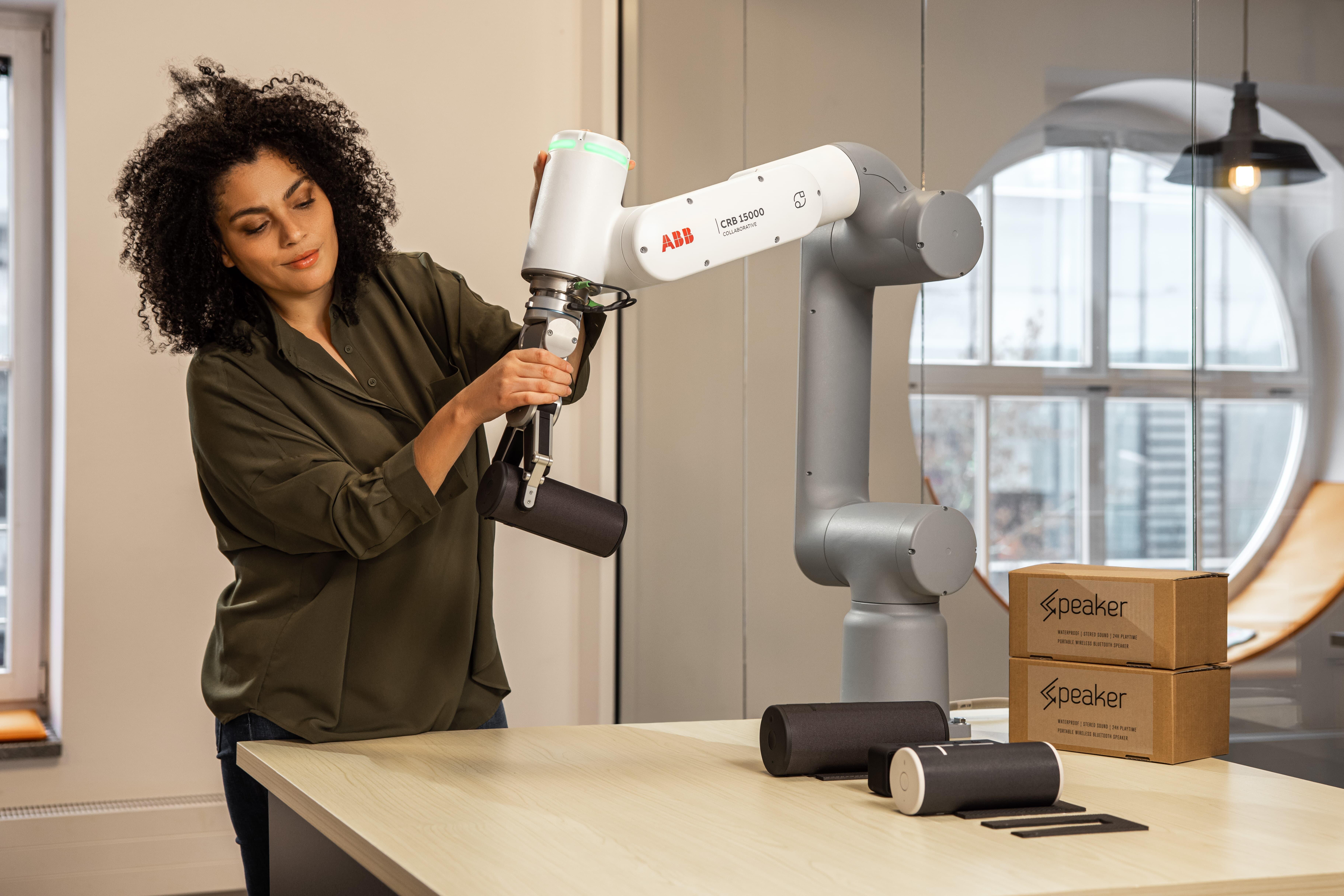 ABB、6軸協働ロボット新製品リリースのお知らせ